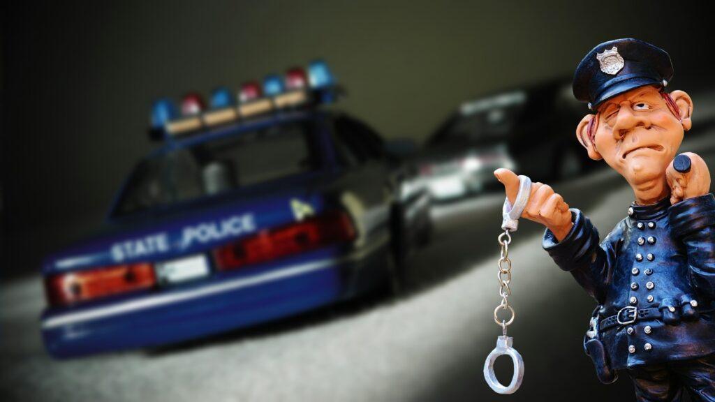 警察とパトカー