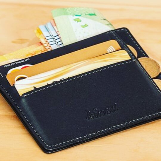 大金の入った財布