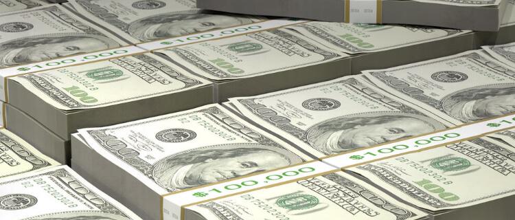 大量の米ドル
